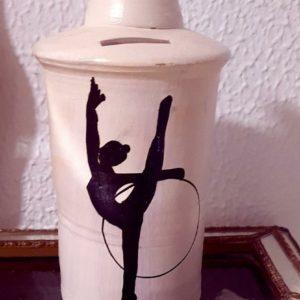 Aro - Hucha de barro cocido hecho a mano con diferentes motivos de gimnasia rítmica - MMSport