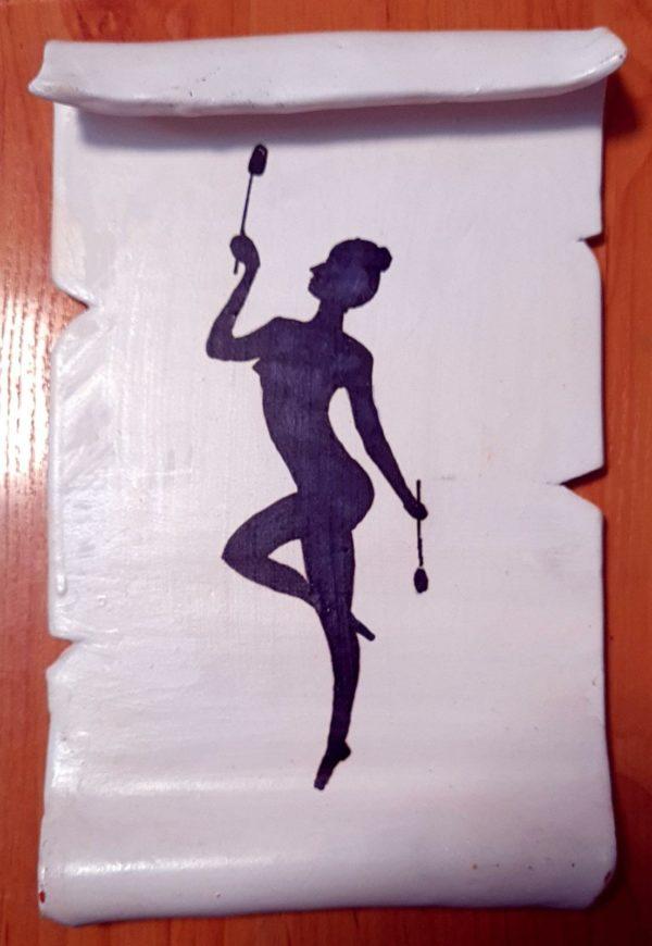 Mazas - Pergamino de barro cocido hecho a mano con diferentes motivos de gimnasia rítmica - MMSport